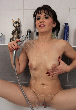 Mom In Shower Pics