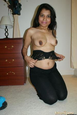 Indian Mom Pics